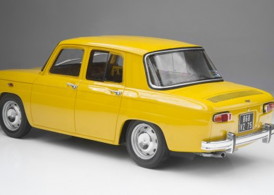 web_Renault_8_S