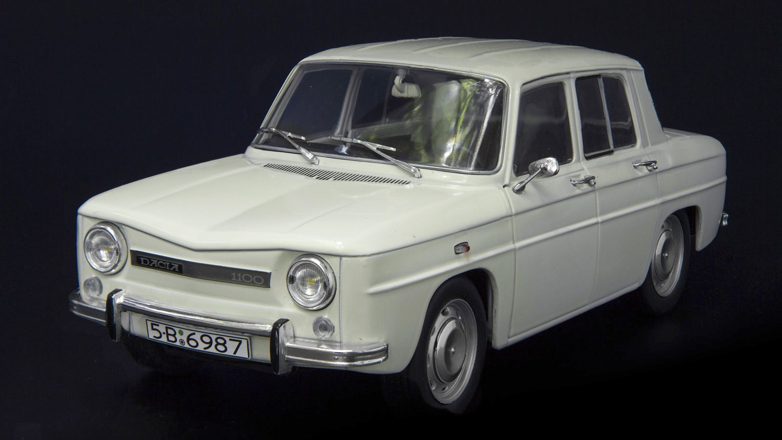 web_Dacia_1100_18b